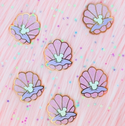 Shell Pin (Pink) - Enamel Pin